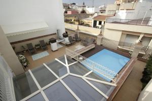 Vista de la piscina de Apartmentos Plaza Nueva o alrededores