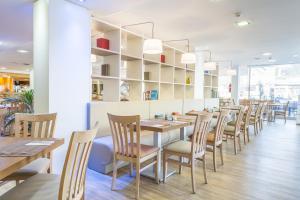 Restauracja lub miejsce do jedzenia w obiekcie Hotel & Spa Ferrer Janeiro