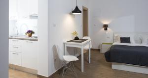 A kitchen or kitchenette at Comfort Zovko
