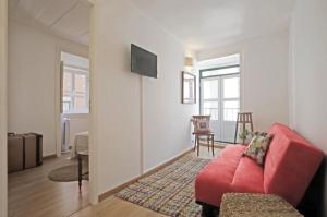 "A seating area at ""Maria""- 2 Bedroom Apartment, Graça neighborhood"