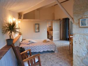 A bed or beds in a room at Bastida de Beata