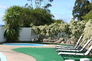 The swimming pool at or near Kingfisher Motel (Adults only)