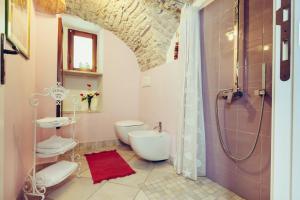 A bathroom at Blu Bosa