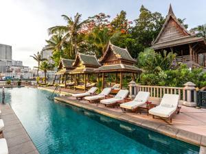 曼谷半島酒店游泳池或附近泳池
