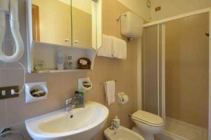 A bathroom at Albergo Martini