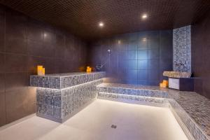 Spa and/or other wellness facilities at Hotel & Suites Lac-Brome