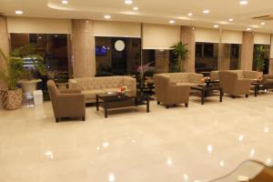 O lounge ou bar de Blue Sands Plaza