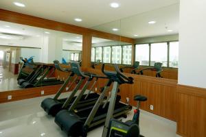 Posilňovňa alebo fitness centrum v ubytovaní Hotel Atlântico Business Centro