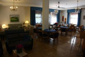 A restaurant or other place to eat at Hotel Sanremo