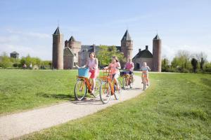 Radfahren an der Unterkunft Stayokay Hostel Domburg oder in der Nähe