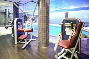 The fitness center and/or fitness facilities at Novotel Edinburgh Park