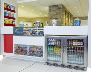 Ein Supermarkt oder andere Läden im Hotel oder in der Nähe