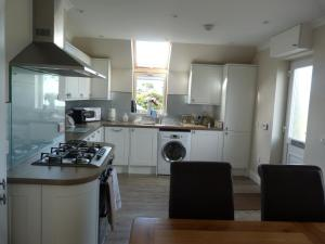 A kitchen or kitchenette at Lachie's House