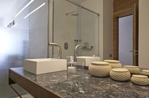 A bathroom at Trossos Del Priorat
