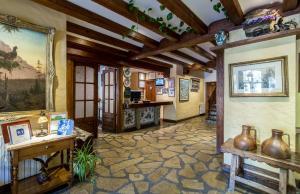 El vestíbulo o zona de recepción de Hotel Ciria