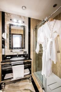 Ванная комната в Маджестик Бутик Отель Делюкс