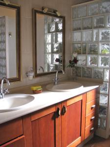 A bathroom at Chalet Anagato