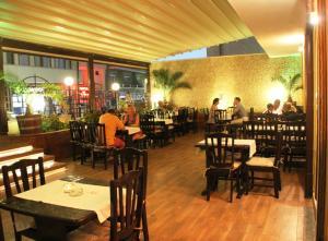 Ресторант или друго място за хранене в Семеен Хотел Алфа Вита