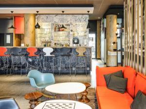 Lounge oder Bar in der Unterkunft ibis Hotel Hannover City