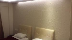 A bathroom at Hotel Ermis