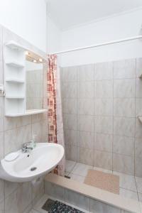 A bathroom at Apartments Cvjetković