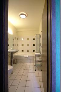 A bathroom at Zinck Hôtel