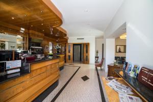 The lobby or reception area at Hotel Il Gabbiano