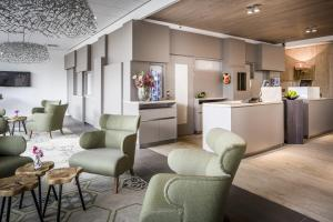 The lobby or reception area at Babylon Hotel Den Haag