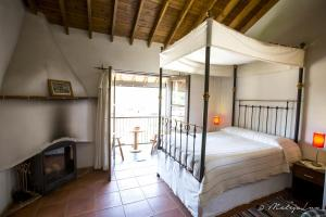 A bunk bed or bunk beds in a room at Ambelikos Traditional Agrohotel