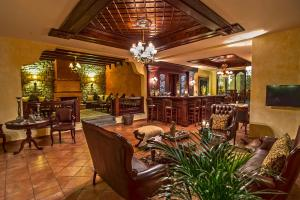 A restaurant or other place to eat at Hotel Doupiani House