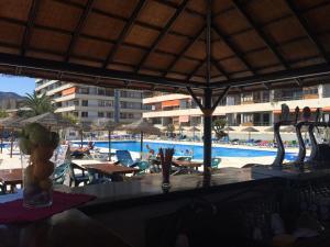 The swimming pool at or near Apartamentos la Nogalera