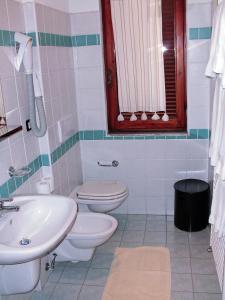 A bathroom at Hotel Piccada