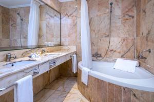 Un baño de Mas Gallau