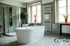 A bathroom at Villa Vera