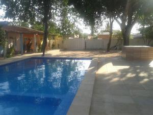A piscina localizada em Pousada Gincoara ou nos arredores