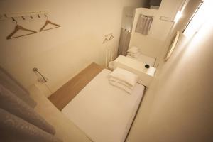 A bathroom at Blanc Inn