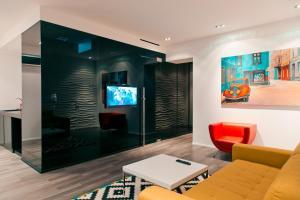 Телевизор и/или развлекательный центр в Аpartments original space