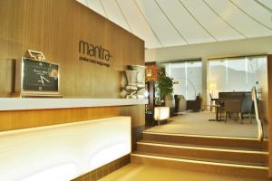 The lobby or reception area at Mantra Pavilion Hotel Wagga