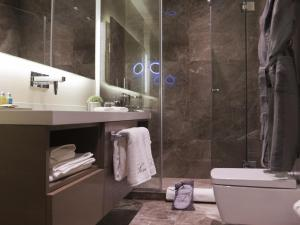 A bathroom at Sentire Hotels & Residences