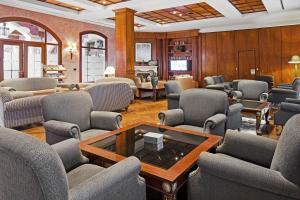 Hol lub bar w obiekcie Elba Palace Golf & Vital Hotel - Adults Only