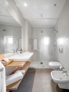 Uma casa de banho em Mouzinho 160