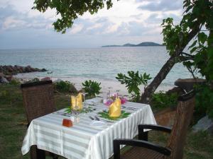 En restaurant eller et andet spisested på Castello Beach Hotel