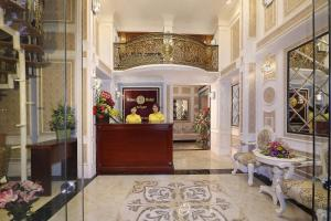 The lobby or reception area at Hanoi Chic Boutique Hotel
