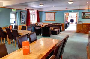 A restaurant or other place to eat at YHA Borrowdale