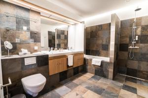 A bathroom at Hótel Húsafell
