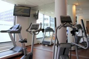 The fitness center and/or fitness facilities at Bastion Hotel Breda