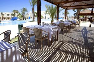 Een restaurant of ander eetgelegenheid bij ROBINSON DJERBA BAHIYA - All Inclusive