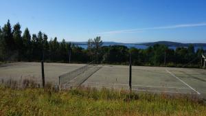 Tennis och/eller squashbanor vid eller i närheten av Villa Arboretum