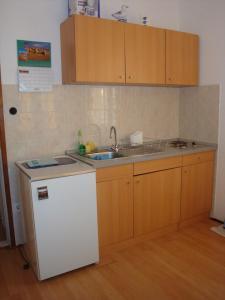A kitchen or kitchenette at Villa Barbara
