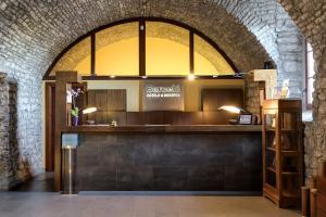El vestíbulo o zona de recepción de Barceló Monasterio de Boltaña Spa